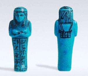 SHABTI DE HAREMAKHBIT Faiança; Tebas ocidental, Egito Antigo; XXI Dinastia; 12,5 cm Museu Nacional